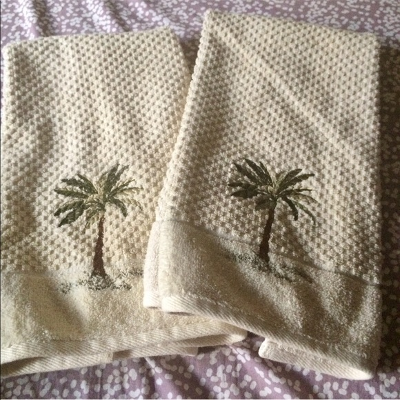 2 Tropical Flamingo w cocktail and Palm Tree  Embroidered Tea Guest Towel NWT